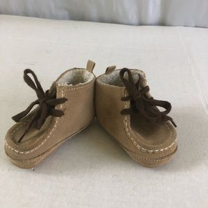 Baby gap suede booties 3-6 months lace up